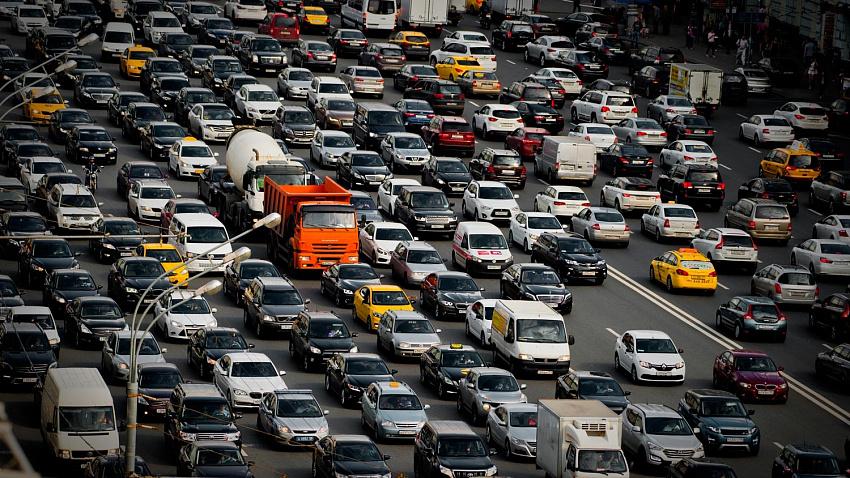 ФНС не будет повышать налог на автомобили дешевле 3 миллионов рублей