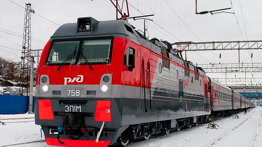 Перед Новым годом для южноуральцев запустят дополнительные поезда в Москву