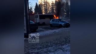 Маршрутка загорелась прямо на проспекте Ленина: видео очевидца