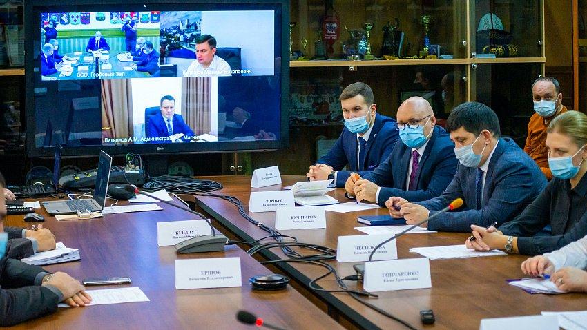 В Заксобрании Челябинской области обсудили проблему некачественного ремонта дорог