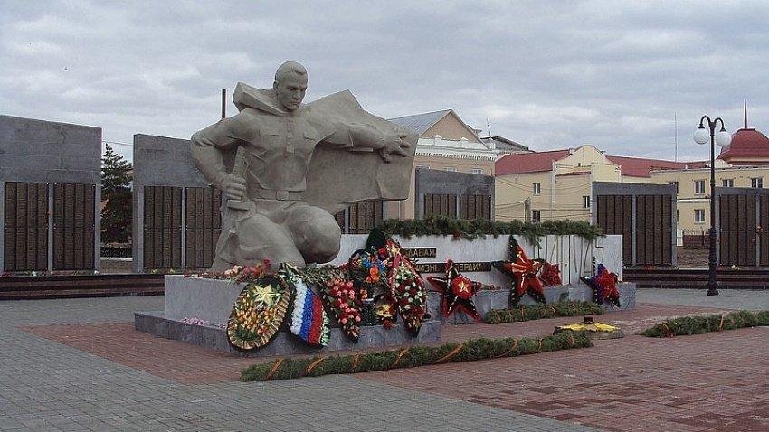 Прокуратура в Троицке запретила строить кафе возле памятника погибшим в годы войны