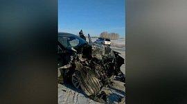 КамАЗ VS Мазда «СХ-9»: видео последствий лобового столкновения