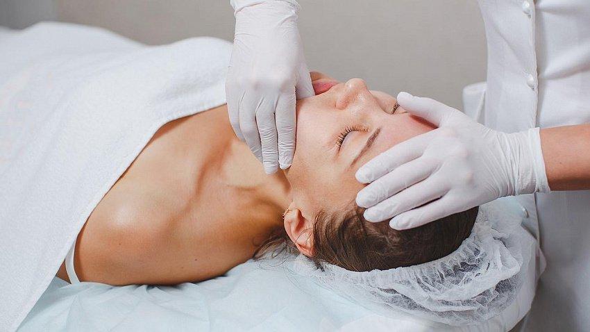 Помогает ли буккальный массаж для омоложения лица