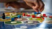 Пять настольных игр для дружеских посиделок