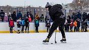 Хоккеисты Виталий Кравцов и Илья Карпухин провели мастер-класс для челябинских детей