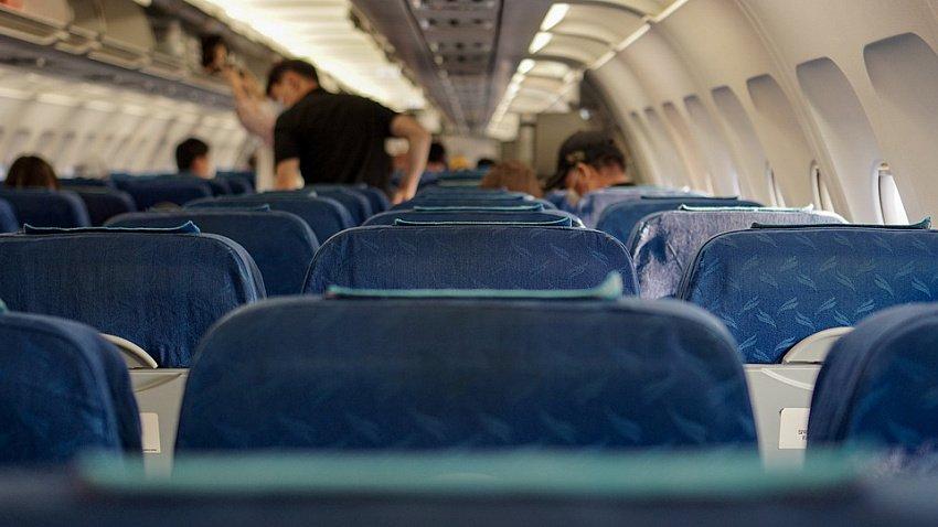 Челябинцы стали экономить на билетах на самолет