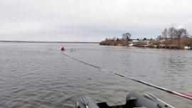 В озеро в Аргаяшском районе попала нефть