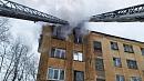В Челябинске мужчина выпрыгнул изокна горящей квартиры с4этажа