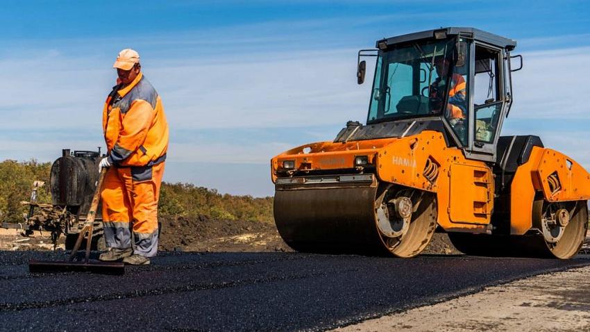 На строительство дорог в Челябинской области выделят более 1,4 млрд рублей