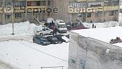 «Сидела на перилах»: вМагнитогорске 12-летняя школьница упала сбалкона с13этажа