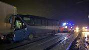 Автобус с туристами попал в массовое ДТП на автодороге Челябинск — Уфа