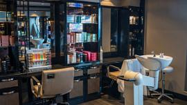 В Челябинске за год закрылось 12% салонов красоты