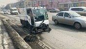В Челябинске подрядчики начали очищать улицы отпыли и грязи